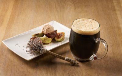 Grilované fíky s akátovým medem, levandulí a ořechovou zmrzlinou